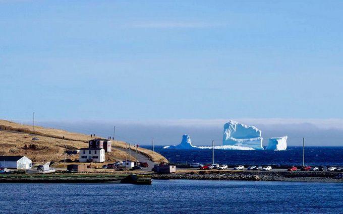 """В Канаді сотні туристів їдуть подивитись на """"Алею айсбергів"""": з'явились вражаючі фото"""