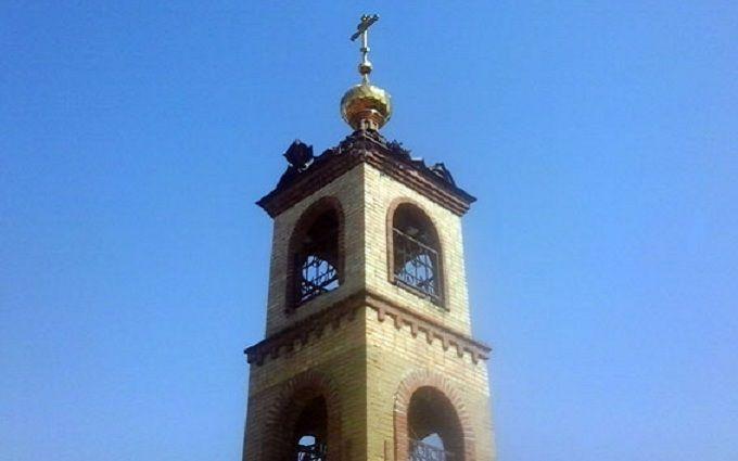 Бойовики ДНР обстріляли і пошкодили православний храм: з'явилися фото