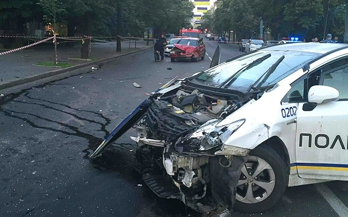 Аварія з поліцією в Харкові: з'явилися фото