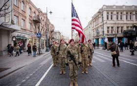 Американські танки в сусідній країні явно стурбували людей Путіна: опубліковано відео