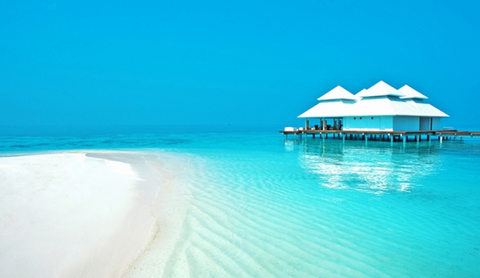 На Мальдивы теперь можно только по «синим» и биометрическим паспортам