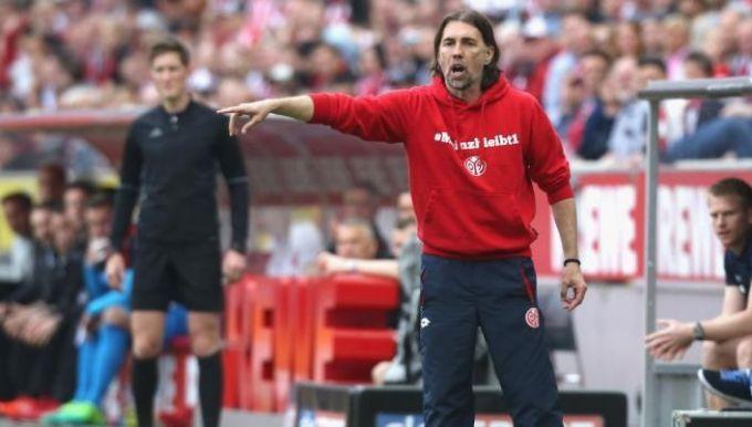Йонкер отправлен вотставку споста основного тренера футбольного клуба «Вольфсбург»