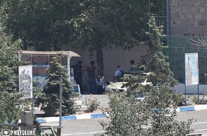 Захоплення поліції в Єревані: з'явилися подробиці про загиблого і нове відео