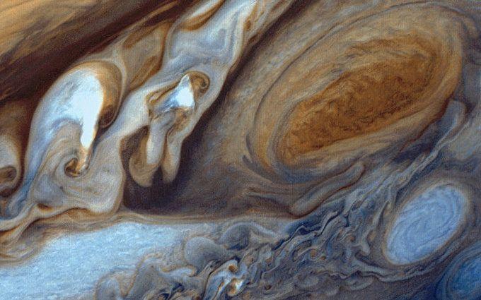 Живописное движение: в NASA показали новое захватывающее видео с Юпитера