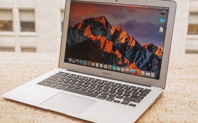 Apple презентует'более доступный Mac Book Air