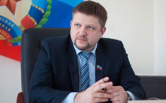 """Один з ватажків ЛНР прокоментував свій """"арешт"""" в Росії"""