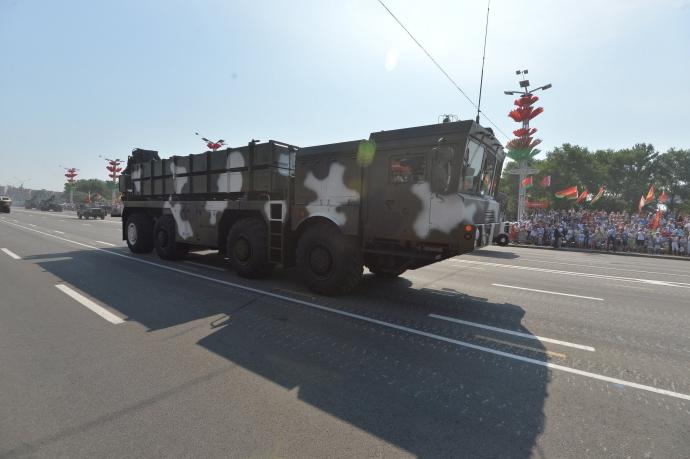 На вулиці Мінська вийшли російські військові: з'явилися фото (2)