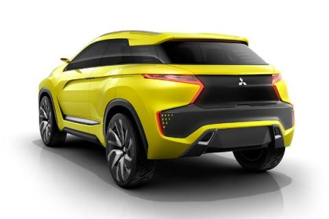 Mitsubishi показала прототип електричного кросовера під назвою eX (5 фото) (3)