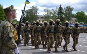 """""""Слава Украине"""" станет официальным воинским приветствием"""