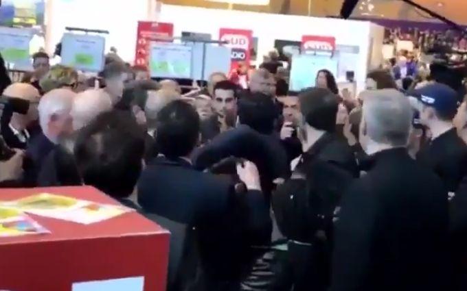 Ален Жюппе готов заменить Фийона впрезидентской гонке воФранции