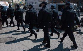 У Росії десятки людей затримують на акціях проти Путіна