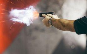 В Запорожье полицейский случайно выстрелил в коллегу, человек в реанимации