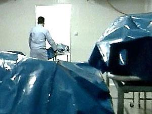 Мужчина забрался в морозильник морга к погибшей подруге