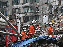 Число жертв землетрясения в Китае превысило 68,5 тыс. человек