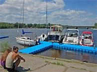 На Русановке покатают на яхте стоимостью в $100 000