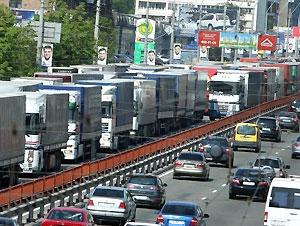 С 1 июня в Киев не пустят фуры