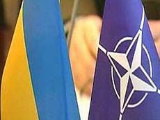 Ющенко готовится к визиту генсека НАТО