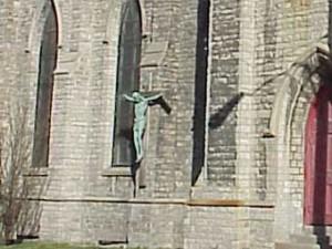Охотники за цветными металлами украли гипсового Христа
