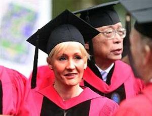 Гарвардский университет присвоил Джоан Роулинг ученую степень