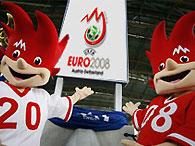 Во второй день Евро-2008 в борьбу вступает главный фаворит чемпионата