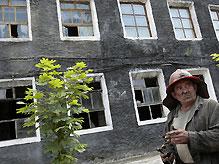 В Енакиево подняты на поверхность еще девять горняков