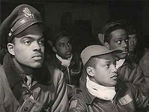 Джордж Лукас снимет фильм о чернокожих летчиках
