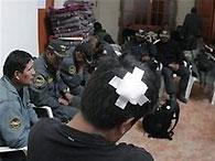 Террористы угрожают убить 16 иранских полицейских