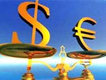 Евро падает после выхода слабой статистики еврозоны