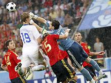 Сегодня определится второй финалист Евро-2008
