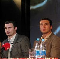 Братья Кличко могут выйти на ринг с Владимиром Поветкиным и Сэмюэлом Питером