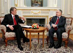Ющенко съездит к Качиньскому