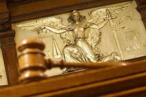 Окружной суд закрыл дело об обжаловании указа Ющенко о парламентских выборах