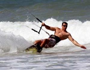 Владимир Кличко наслаждается гольфом и серфингом