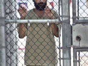 42 узника Гуантанамо объявили голодовку