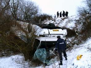 В Крыму автобус с туристами рухнул со склона. Пострадали 8 человек
