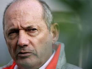 В марте Рон Деннис покинет пост руководителя команды McLaren