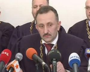 """Судья Зварыч решил в суде защитить """"наколядованое"""""""