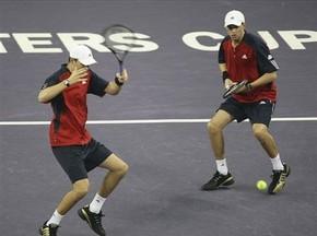 Australian Open: Близнецы Брайаны сыграют в финале парного разряда