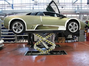 Lamborghini на две недели остановит производство суперкаров