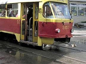 Пьяный харьковчанин вызвал милицию, приняв контролеров в трамвае за террористов