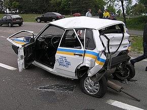 В Киевской области фура раздавила автомобиль ГАИ