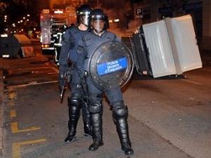 """Полиция разогнала фанатов """"Барселоны"""" резиновыми пулями"""