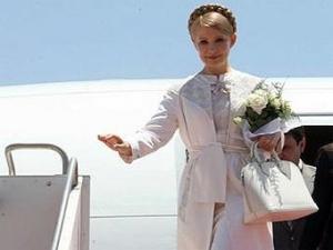 Тимошенко запретила журналистам пьянствовать в самолетах