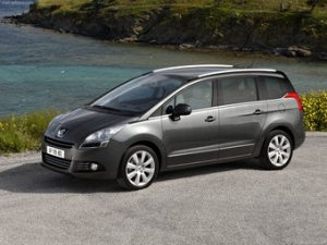 Компания Peugeot представила новый минивэн (3 фото)
