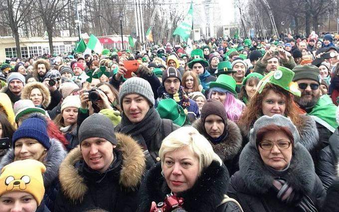 В Москве устроили веселый праздник в день катастрофы самолета: появились фото и видео
