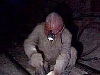 На енакиевской шахте продолжаются поиски 12 горняков