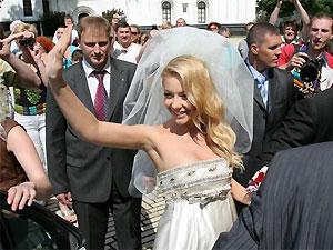 Тина Кароль обвенчалась с мужем