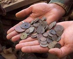 Мальчик нашел самый крупный в истории Швеции клад из старинных серебрянных монет