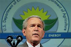Джордж Буш хотел войти в историю великим человеком