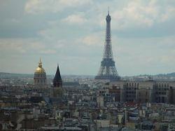 Олимпийский огонь доставлен в Париж